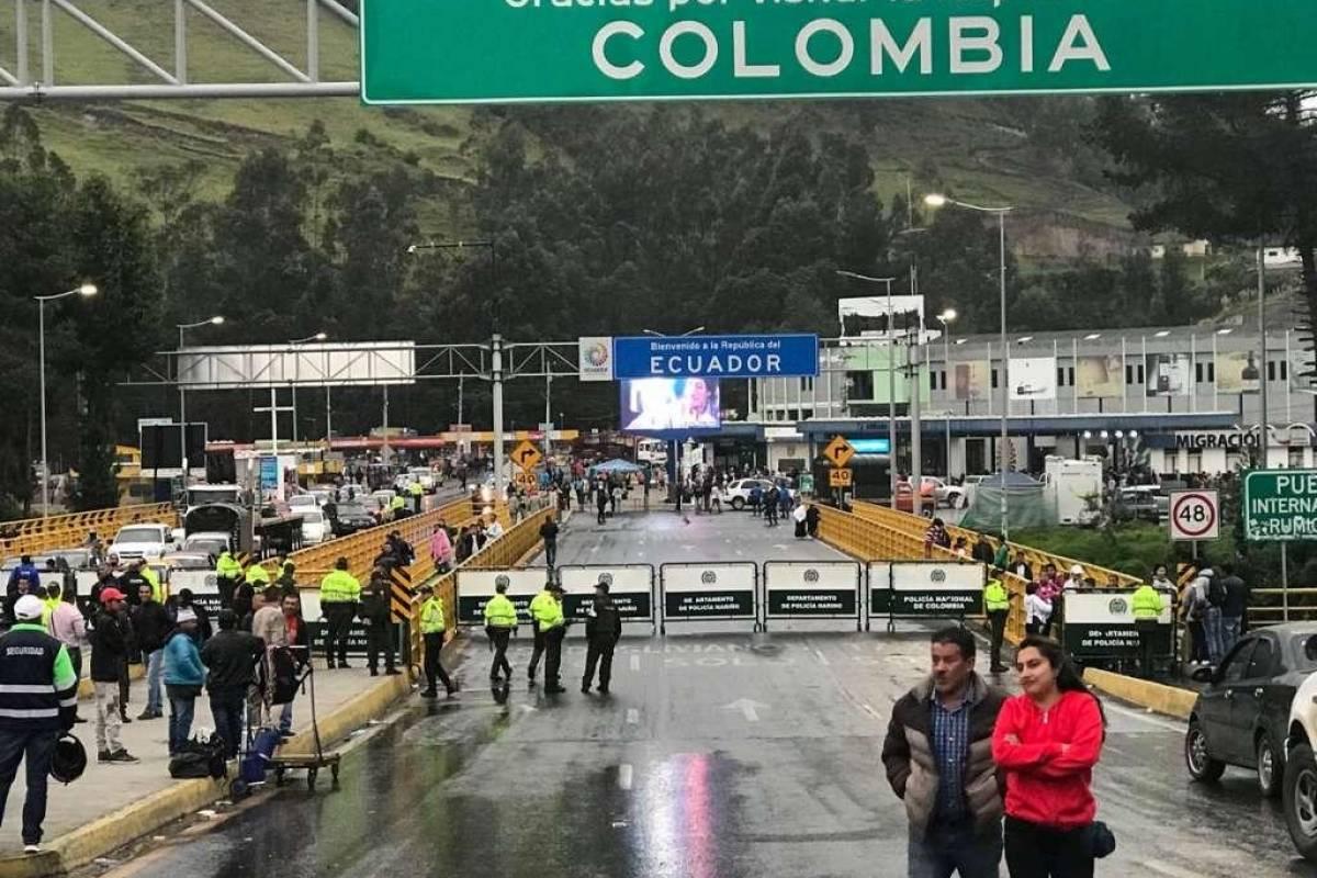 Colombia trabaja en un plan para el ingreso de personas vía terrestre desde Ecuador