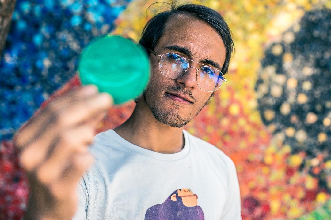 """Ilustrador Óscar Olivares: """"Quiero brindar esperanza a través del arte"""""""