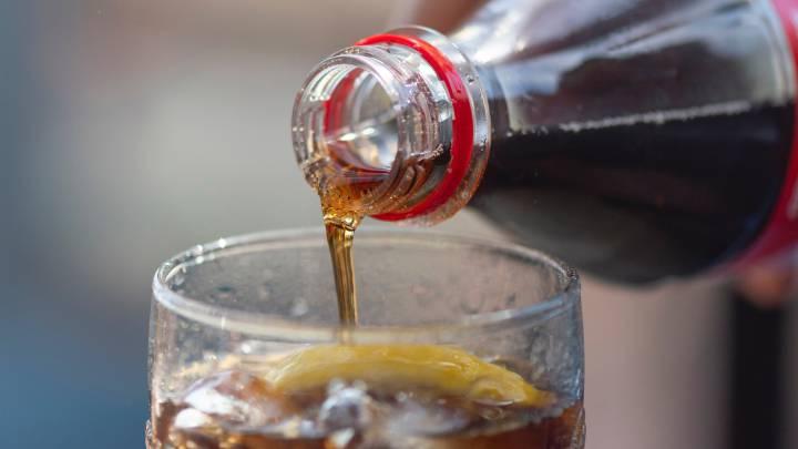 Consumo excesivo de bebidas azucaradas puede producir muerte prematura