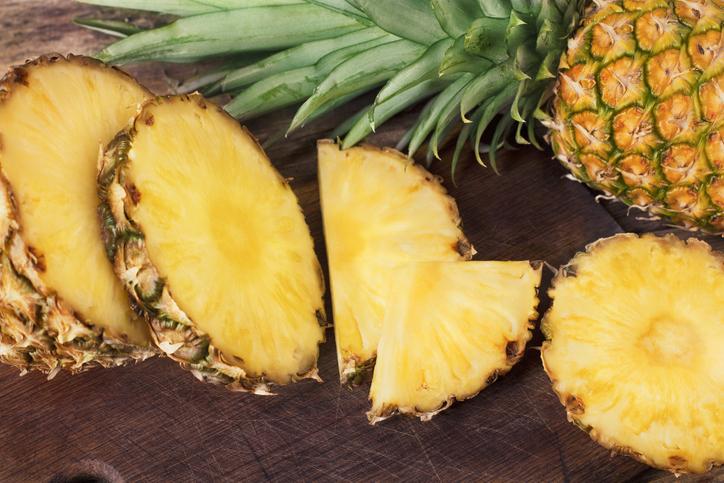 La piña es un alimento versátil y nutritivo
