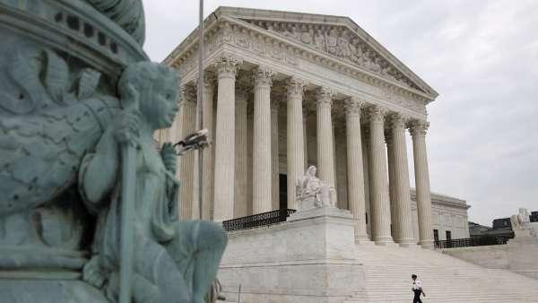 """Corte Suprema de EEUU permite a estados """"obligar a electores"""" a respaldar voto"""