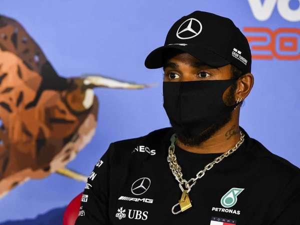 Lewis Hamilton señala que desea continuar en F1 por al menos tres años más