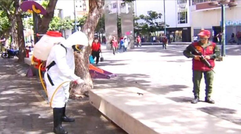 Organismos de seguridad realizan jornada de desinfección en Sabana Grande