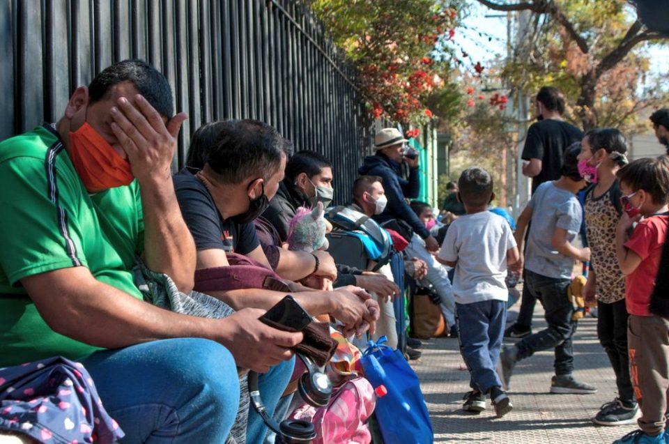 Venezolanos en Argentina piden habilitar vuelo de humanitario