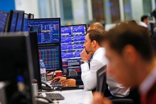 Acciones europeas caen por HSBC y Nokia en medio de un repunte del COVID-19
