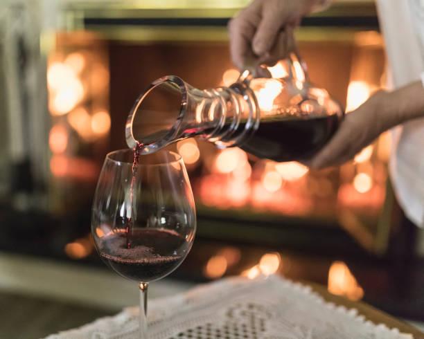 Vino sin alcohol podría mejorar cognición en personas con Alzheimer