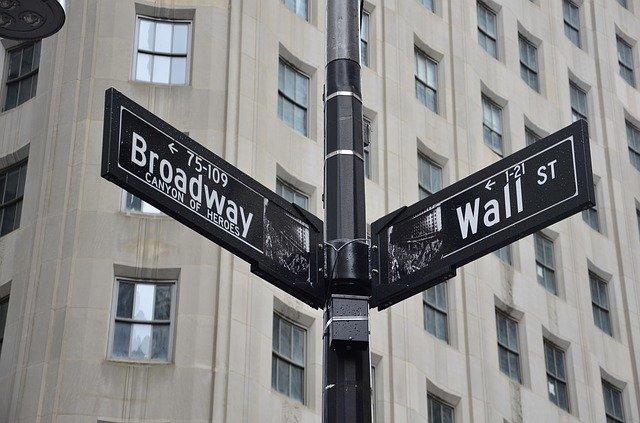 Wall Street optimista tras testimonios de grandes compañías tecnológicas
