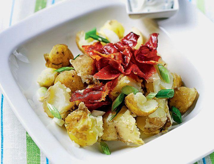 Sal de la rutina con la exquisita ensalada de papas con 'green goddess dressing'