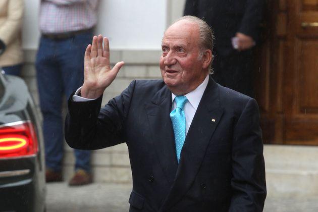 """Juan Carlos I se fue de España por """"repercusión pública de acontecimientos pasados"""""""
