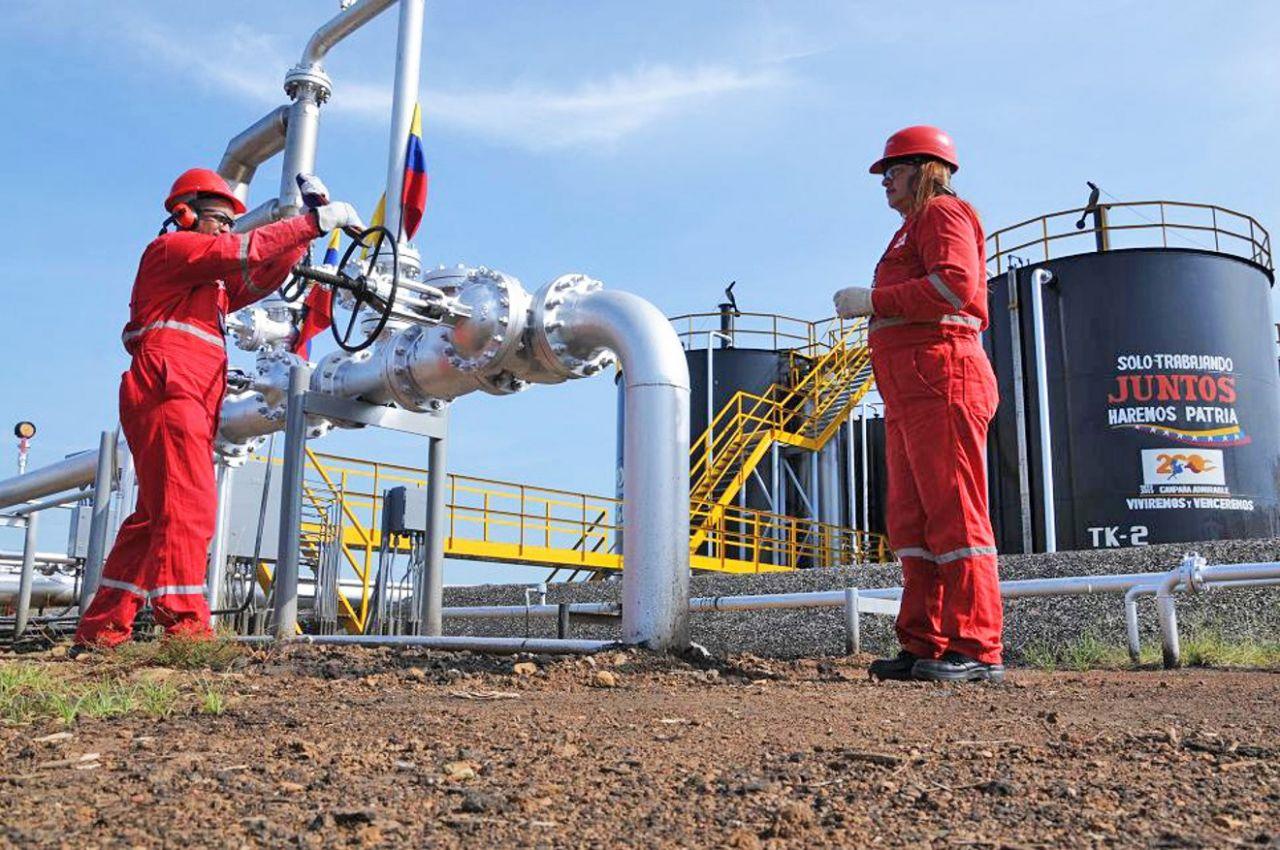 Reuters: Exportaciones de petróleo venezolano caen a 388.100 barriles por día