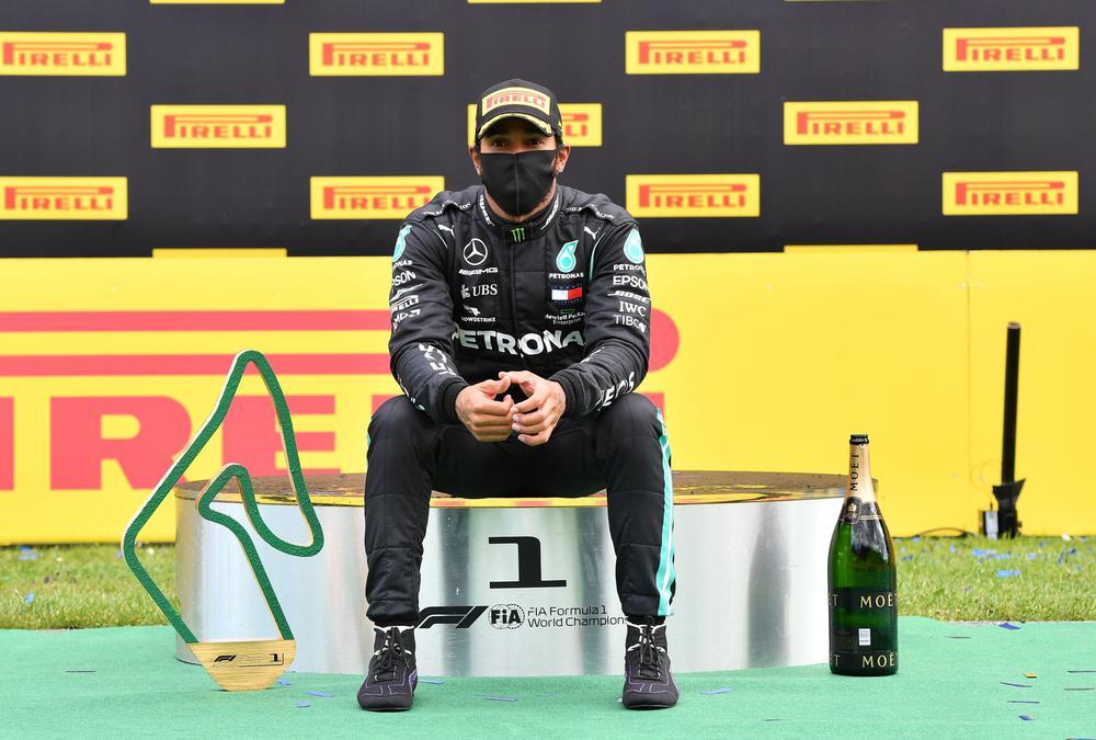 ¡Con un caucho espichado! Hamilton quedó campeón en circuito de Silverstone