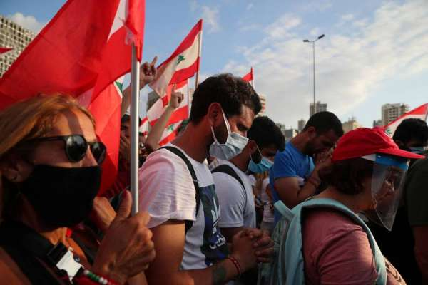 Libaneses exigen salida del presidente tras explosión en el puerto de Beirut