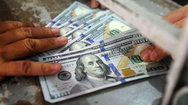 Datos manufactureros influyen en alza del dólar
