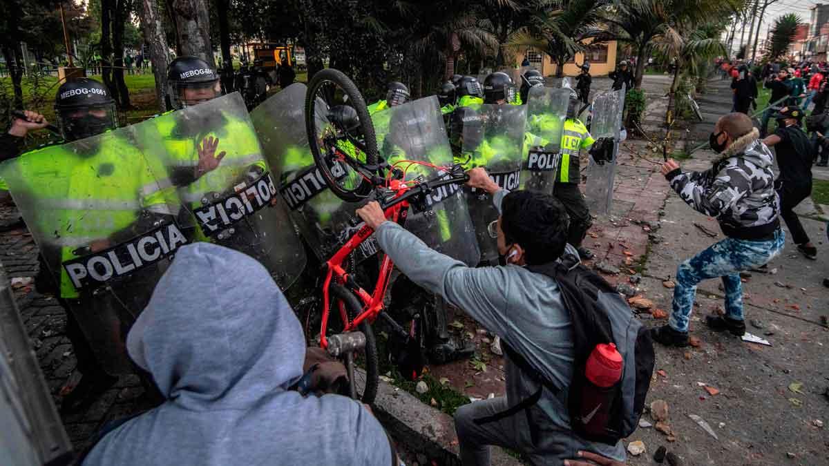 Tensión en Colombia: Protestas en Bogotá dejan 13 muertos