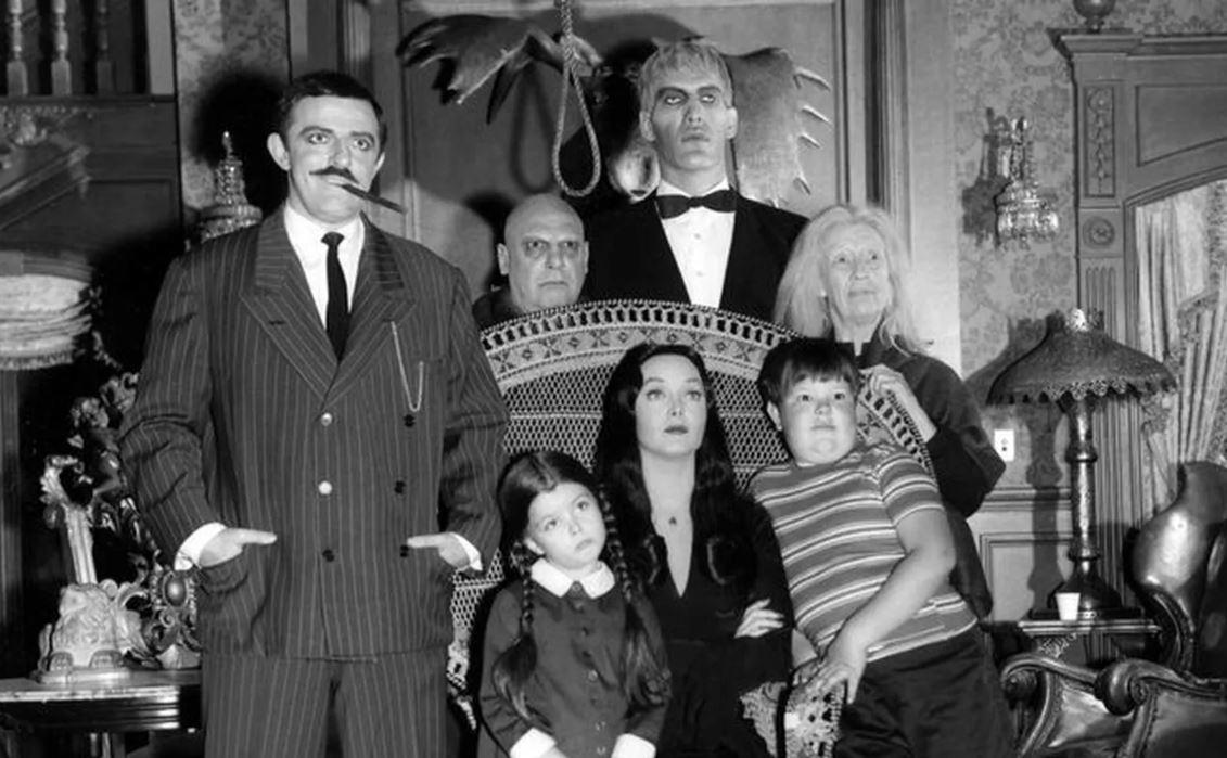 """18 de septiembre de 1964: Primera transmisión de la serie """"Los locos Addams"""""""