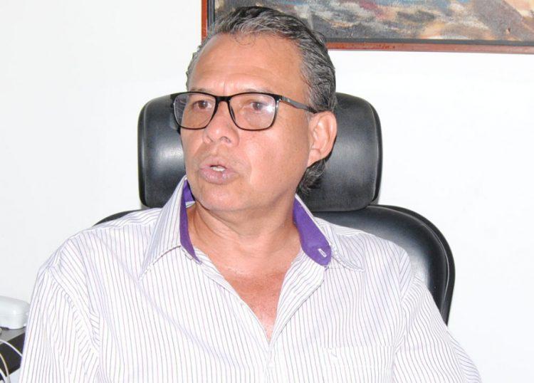 Yoni Toro: Como un ladrón cualquiera Conrado Pérez Linares usa la tarjeta de VP