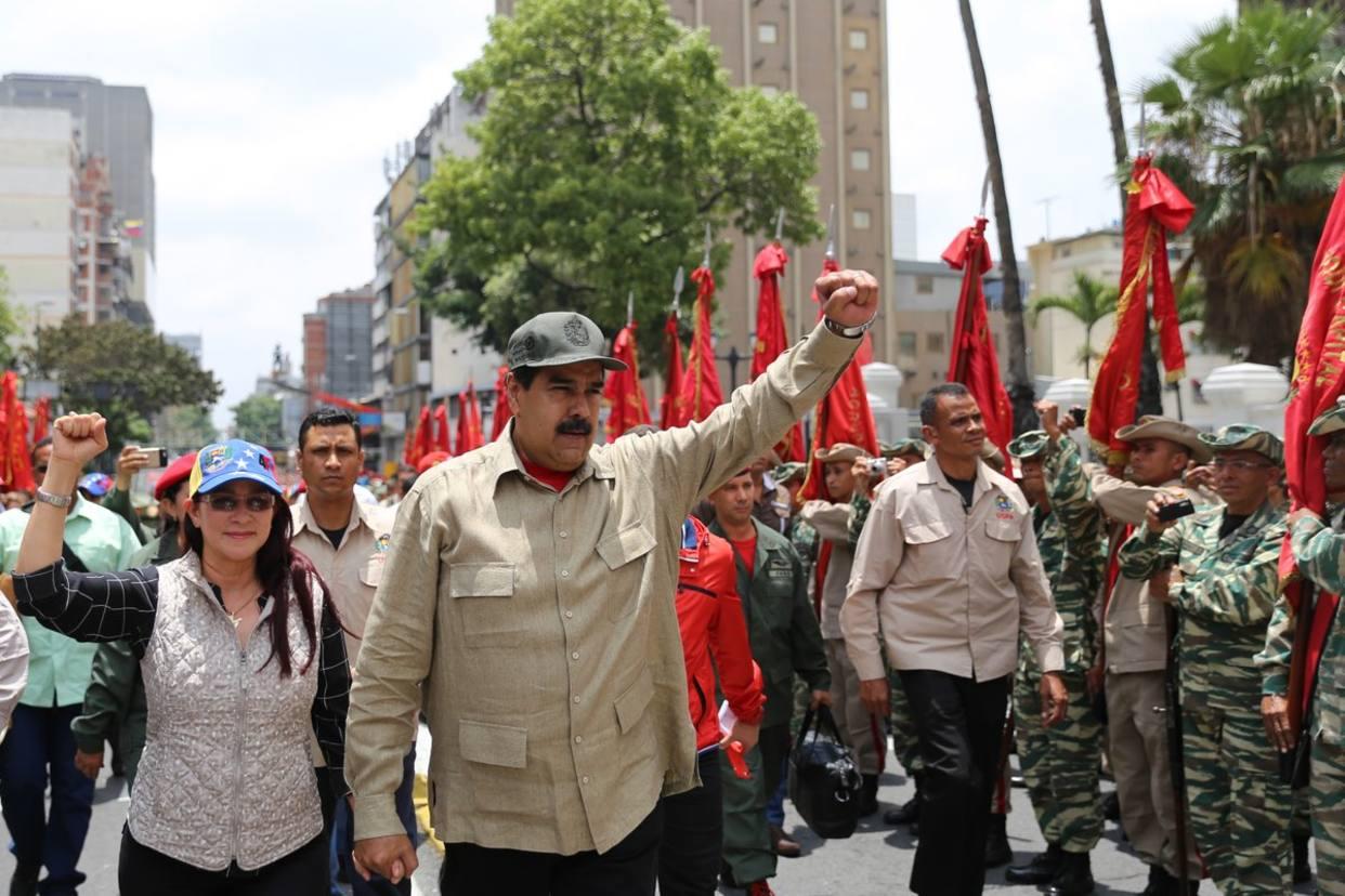 """Maduro denuncia activación de órdenes para """"perturbar la paz de Venezuela"""""""