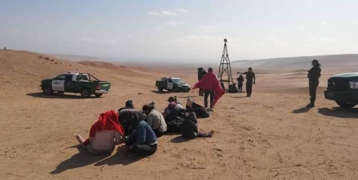 Policía de Chile rescata a 18 venezolanos perdidos en el desierto