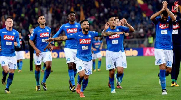 Jugadores del Napoli se despiden del confinamiento para regresar a sus casas