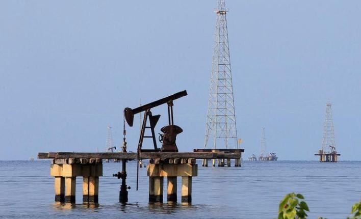 Barril de petróleo con pérdidas por temor de rebrote de Covid-19