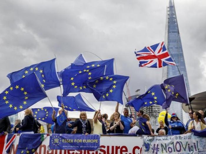 Gobierno británico tiene drásticos planes sobre inmigración tras el Brexit