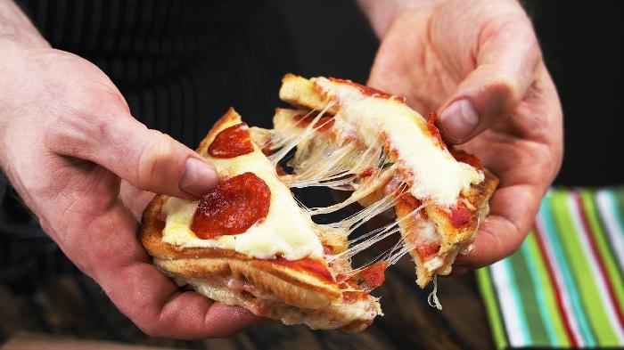 Prueba estos deliciosos sandwiches de pizza (Receta)