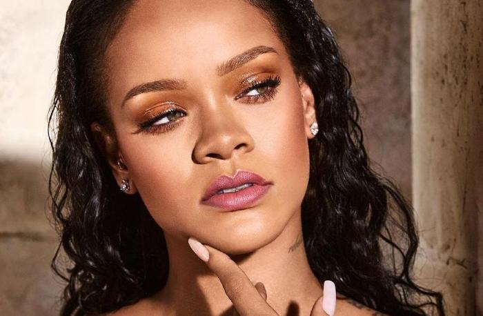 Rihanna demandó a su padre por utilizar la marca Fenty sin su permiso