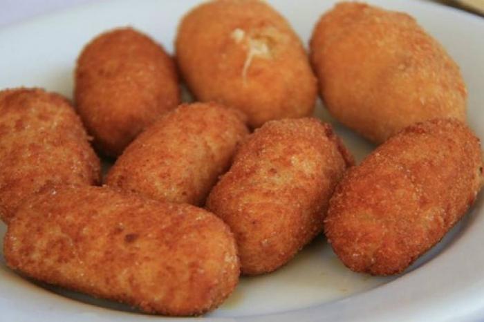 Prepara estas ricas croquetas de berenjena y queso para el desayuno de hoy